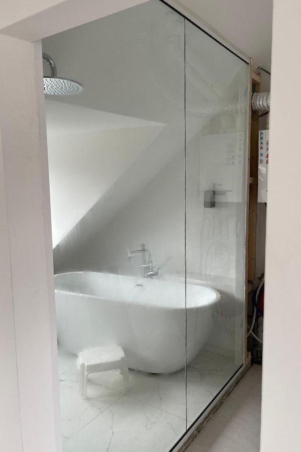 badkamerwand van glas