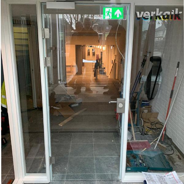 hard glazen deur
