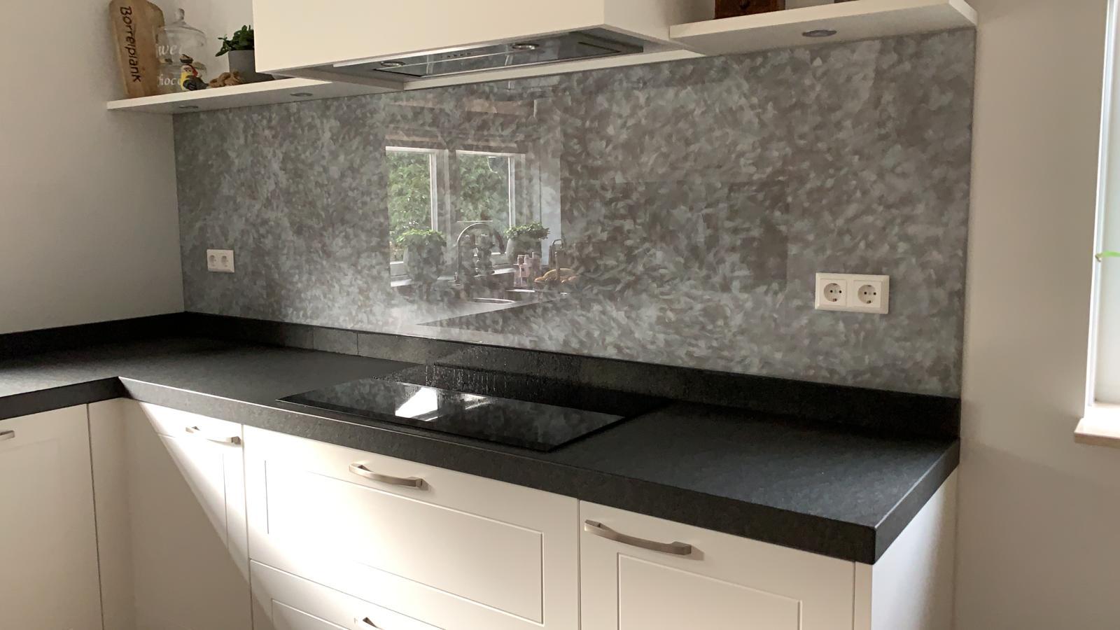 keuken achterwand in glas
